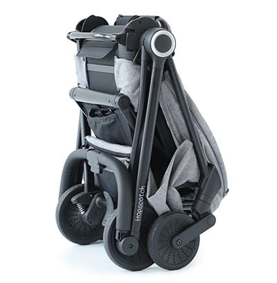 quick-one-hand-rear-and-forward-seat-on-fold-hopscotch-stroller--guzzie-and-guss-full-size-compact-stroller-400x408